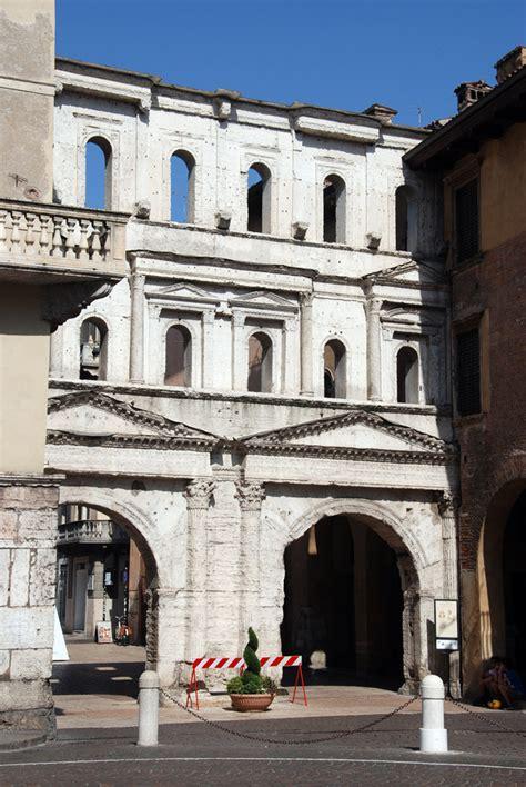 porta borsari verona verona s porta borsari and a shakespearian tragedy
