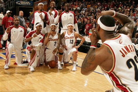 who is the cavaliers player with the high hair full circle by mo williams