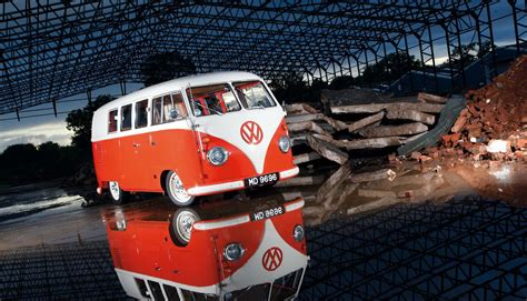 volkswagen bus iphone wallpaper classic vw bus wallpaper desktop wallpaper wallpaperlepi