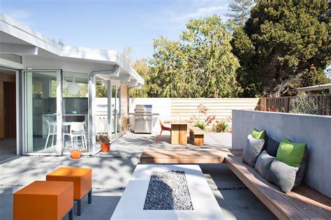outdoor kitchen designs  love builder magazine