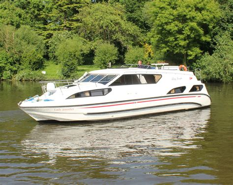 boating holidays cruiser boat hire day boats on the - Kris Cruisers Boat Hire