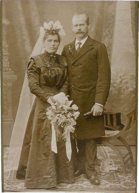 Brautkleider Um 1900 by Hochzeitsfeier