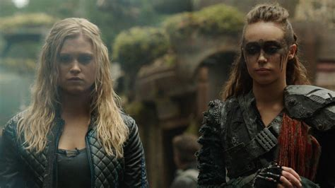 The Hundred the 100 exclusive clip mourning the dead ign