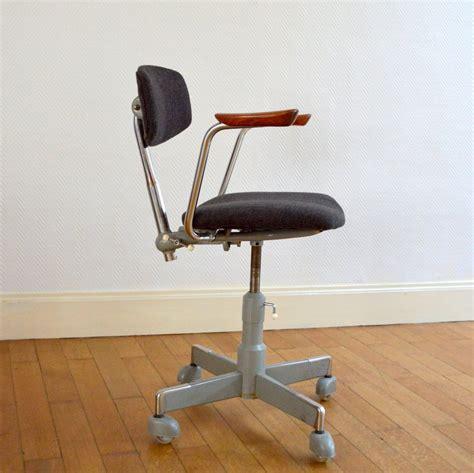 chaise de bureau vintage chaise de bureau scandinave par hag 233 es 50