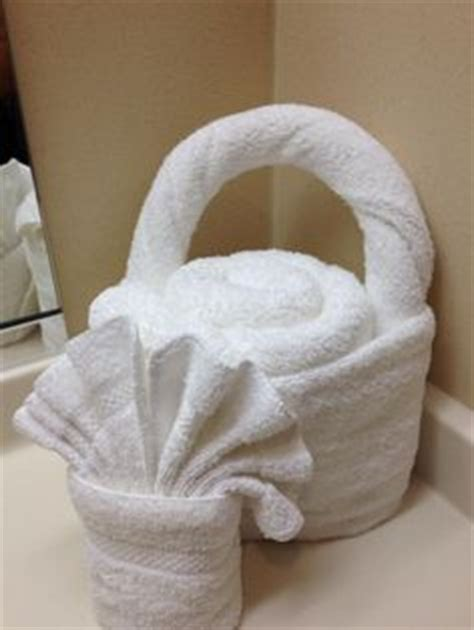 Fancy Paper Towel Folding - 1000 images about towelgami on towel origami
