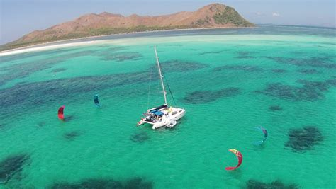 catamaran cruise philippines sailing cruise philippines rent a yacht boat charter