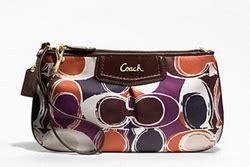 Coach Corner Zip Wristlet Wallet Large Preloved Essential Corner 2013 New Year Sales
