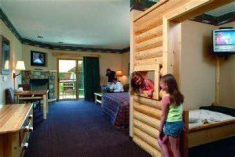 poconos themed hotel great family vacation idea great wolf lodge momof6