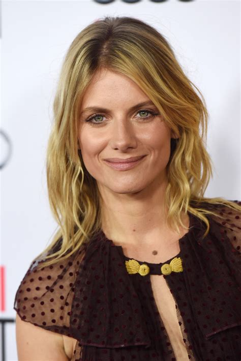 melanie laurent shoulder length hairstyles looks stylebistro