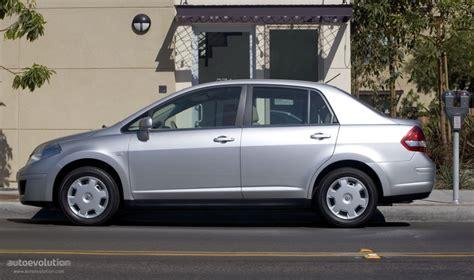 nissan tiida hatchback 2006 nissan tiida versa sedan specs 2006 2007 2008 2009