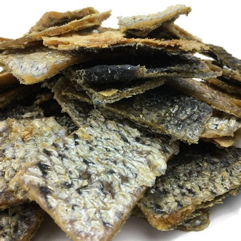 salmon skin for dogs salmon skin bites with pork treats all made in usa phunkee monkee
