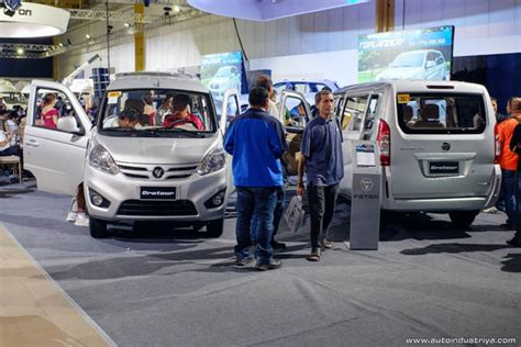 vans design philippines foton ph holds 2015 big show launches gratour toano vans