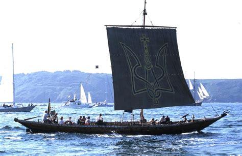 viking long boats viking long boat sails up family in tow arrrrrrgh