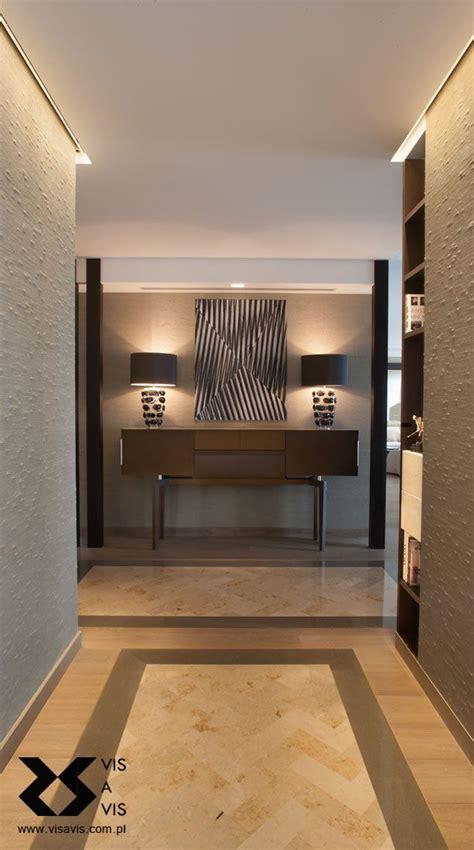 foyer porta entrance with a bespoke floor pattern silk