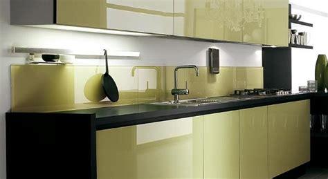 schienale cucina in vetro temperato il vetro in cucina