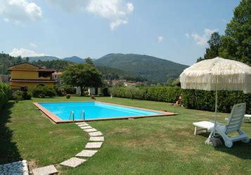 garten 200 qm toskana ferienhaus mit pool und eingez 228 unten 1200 qm