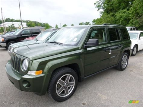 green jeep patriot 2008 jeep green metallic jeep patriot sport 4x4 105423640