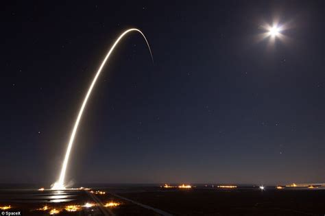 florida light spacex lights up florida sky with satellite daily