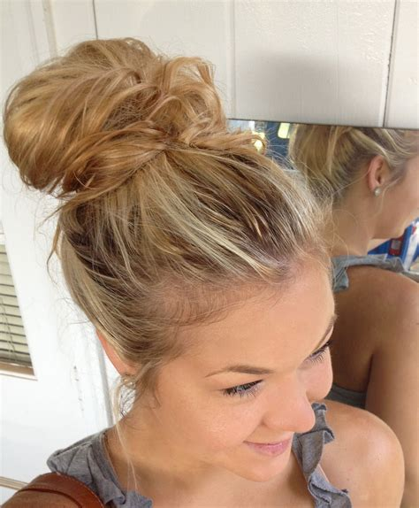 easy hairstyles messy bun mollysfashion how to tie your hair in to a messy bun