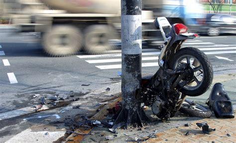 Unfall Motorrad Familie by Schuldfrage Motorradfahrer Im Wachkoma Advopedia