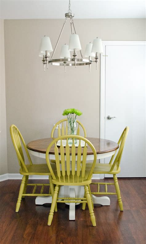 use diy chalk paint to refinish an oak table and chairs best part is there is no sanding
