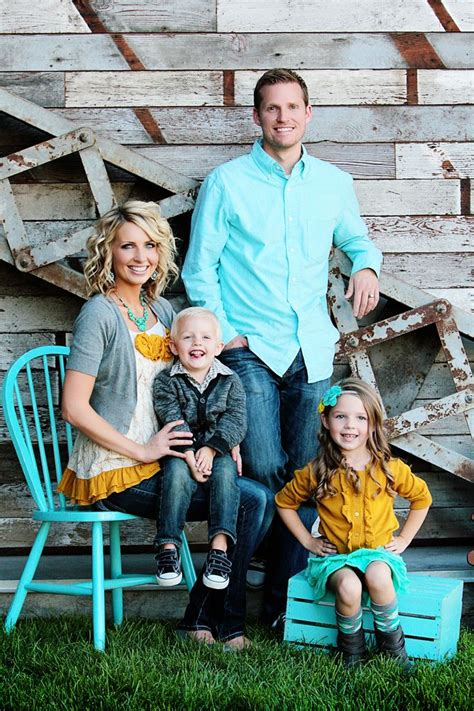 family picture color ideas the 25 best spring family pictures ideas on pinterest