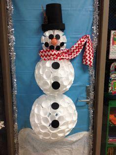 door snowman   styrofoam cups classroom door