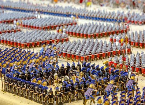 gladiator film battle of zama french man recreates roman battle with 26 000 playmobil