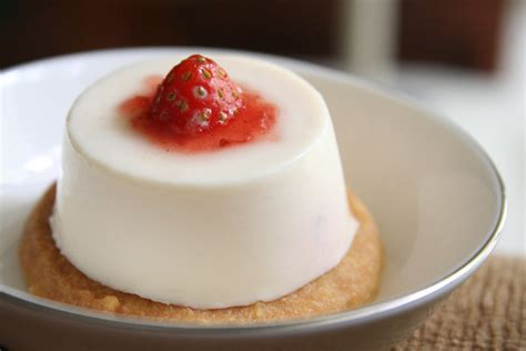 panna cotta butterism strawberry panna cotta