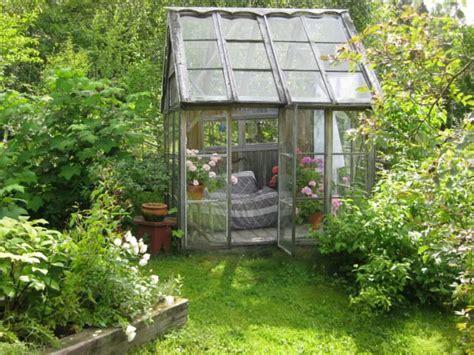 12 shabby chic amp bohemian garden ideas 1001 gardens