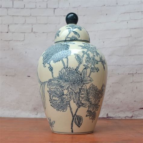 Blue And White America Style Ceramic Jars Antique Porcelain Temple Jars Home Decoration Jingdezhen Ceramic Jars Antique Porcelain Temple Jars Blue And White Ceramic Jar