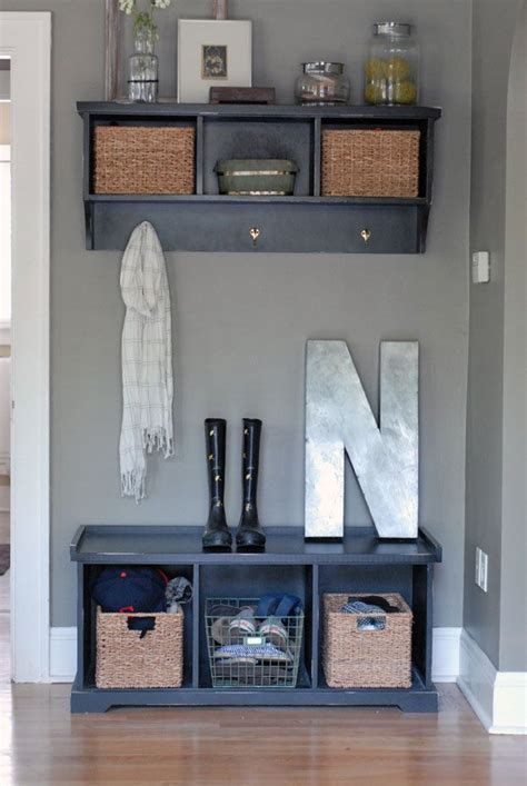 Front Entrance Coat Storage 25 Best Ideas About Small Entryway Organization On
