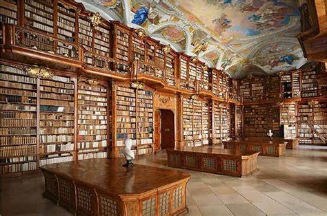 biblioteca d italia le biblioteche pi 249 e affascinanti mondo