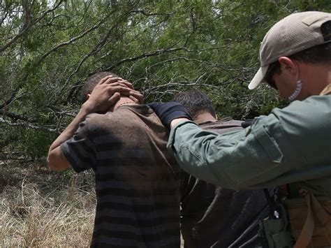 Border Patrol Background Check Two Previously Deported Offenders Busted By Border Patrol In South