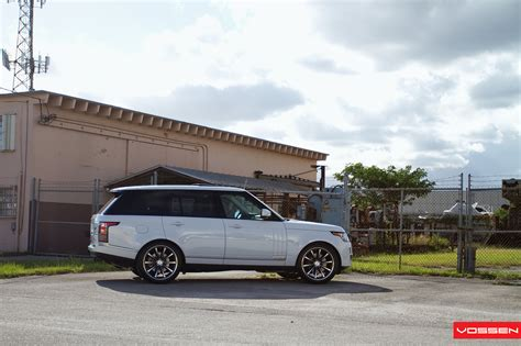 modified 2015 range rover 2013 range rover gets custom vossen wheels autoevolution