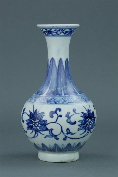 1000 ideas about porcelain vase on porcelain