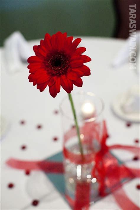 Single Flower Vase Centerpiece by Simple Single Flower Centerpiece Retirement Ideas