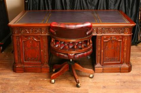 what is the resolute desk mahogany american presidents resolute desk partners