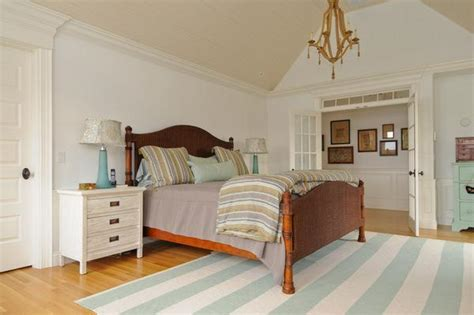 cape cod bedrooms replica of grey gardens house in cape cod bedroom hooked