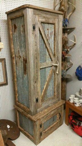 Rustic gun cabinet    Wood Pallets   Pinte