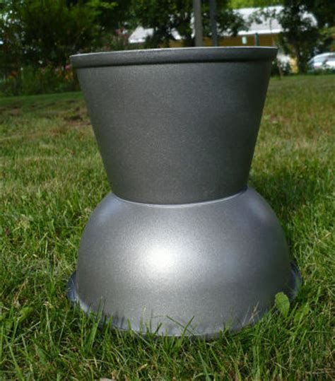 Spray Paint Plastic Planters by Make A Plastic Bowl Urn Planter Dollar Store Crafts