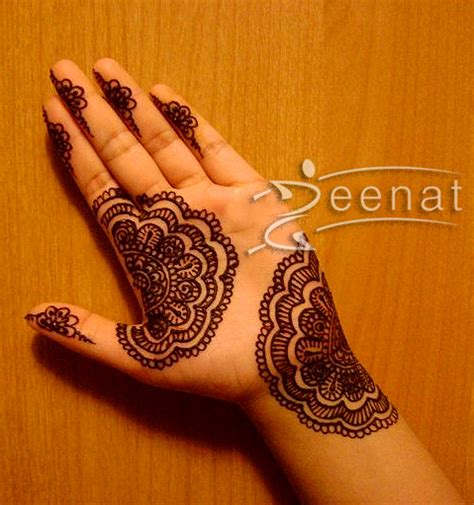 henna design for your palms zeenat style