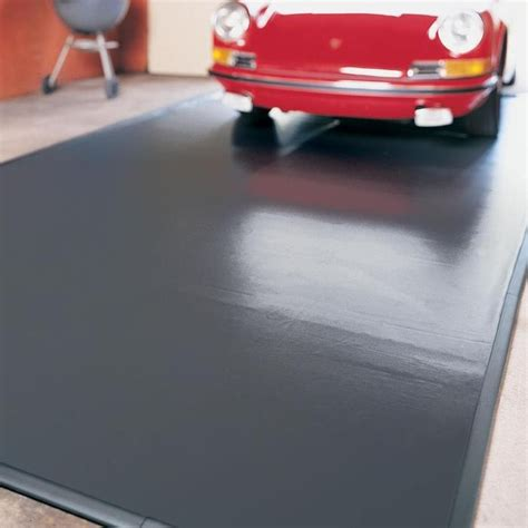 Garage Floor Snow Containment by 25 Best Ideas About Garage Floor Mats On