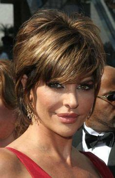 lisa rinnas hair cut guide lisa rinna looks fabulous at 50 as she picks up cup of