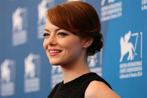emma stone gained 15 pounds of muscle to play a tennis look archives the warm up