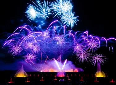 Longwood Gardens Fireworks by 5 Reasons To Spend The 4th Of July At Longwood Gardens