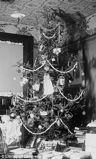 best dressed christmas tree for 1920 house poverty and social conscience nostalgic photos reveal 200 years of