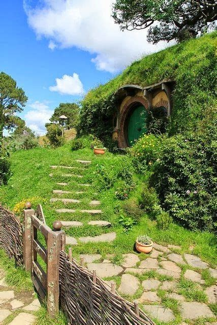 hobbit house new zealand hobbit holes pinterest 17 best images about quaint hobbit houses on pinterest