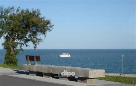 banco mar dipo equipamiento urbano mar plata argentina banco