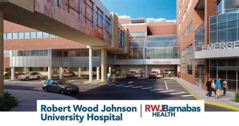 robert wood johnson emergency room rwjuh nursing education specialist myrna receives global nursing recognition award